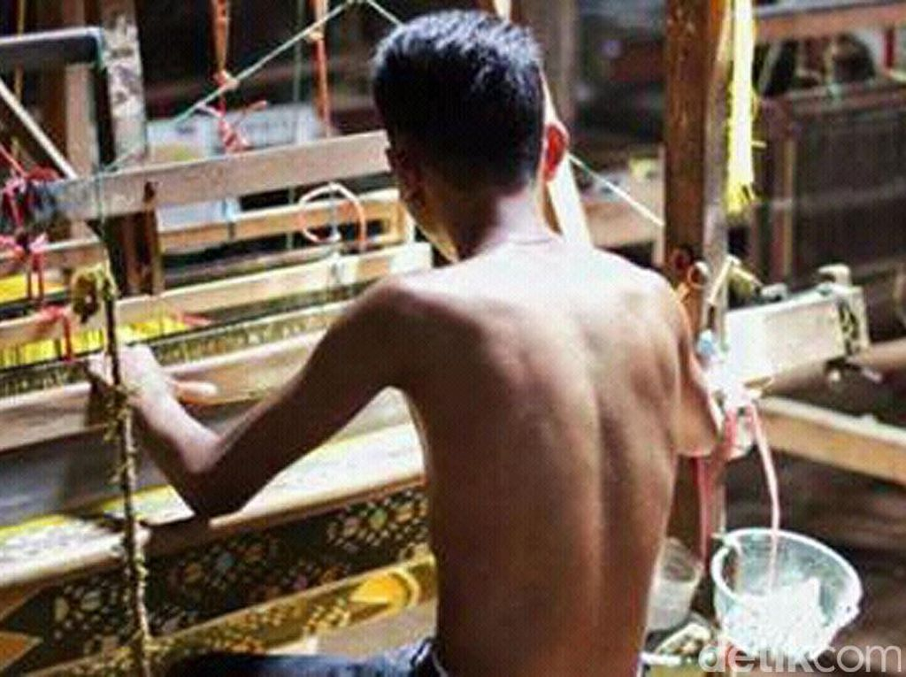 Anak Muda Jepara Memilih Kerja di Pabrik daripada Jadi Penenun