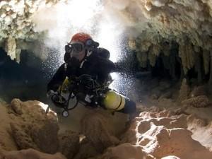 Kisah Penyelam Terjebak 2 Hari di Dalam Gua Bawah Air