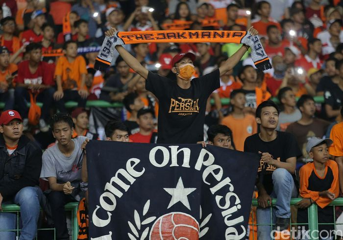 The Jak Mania memberikan dukungan kepada tim kesayangan mereka Persija Jakarta yang melakukan laga persahabtan lawan Espanyol.