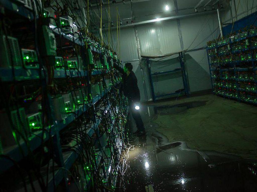 Foto Langka Lokasi Penambangan Bitcoin Terbesar di Dunia