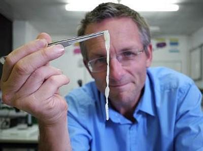 Potret Cacing Parasit di Usus Dokter yang Sengaja Menelannya