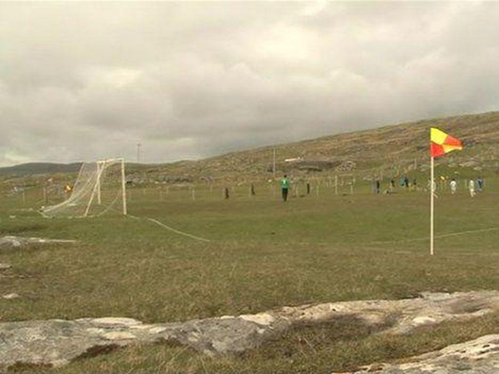 Lapangan Bola Kampung yang Diakui FIFA