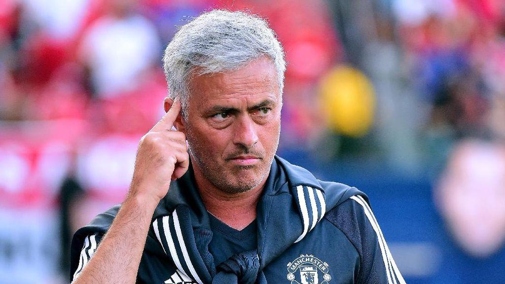 Mourinho Desak MU Secepatnya Rekrut Pemain Baru