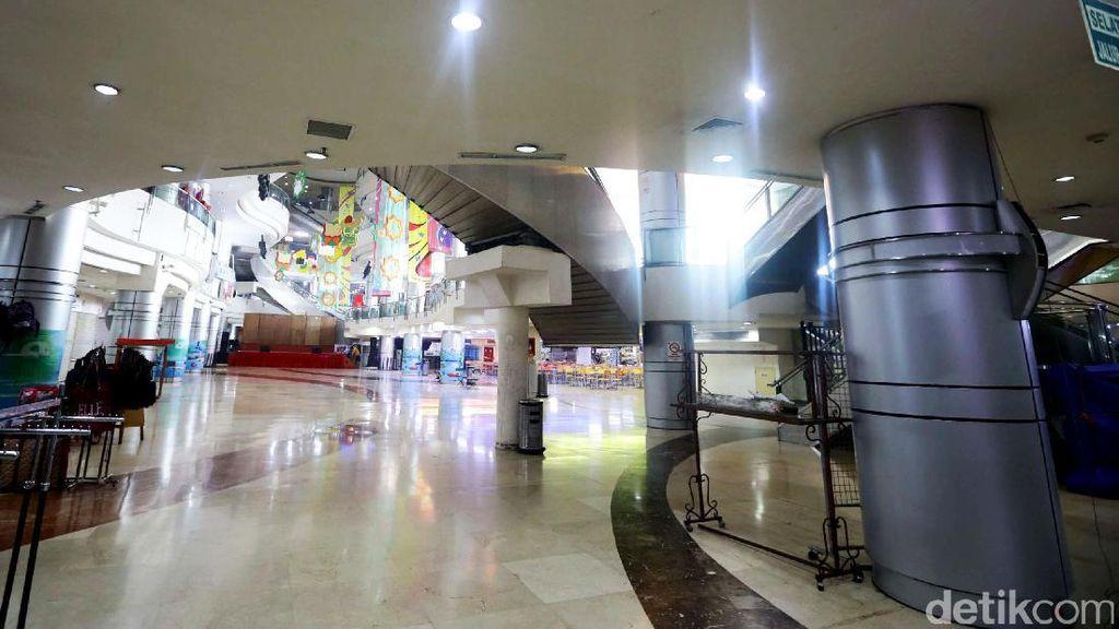 Kondisi Terkini Toko-toko di WTC Mangga Dua dan Roxy Square