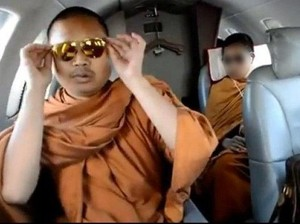 Diadili, Biksu Kontroversial Thailand Terjerat Banyak Skandal
