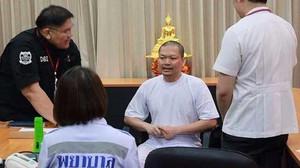 Biksu Kontroversial di Thailand Diadili Atas Pemerkosaan
