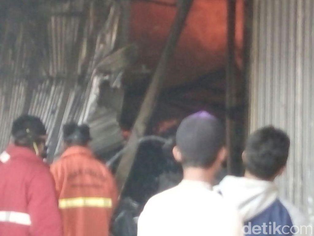Ruang Pengolahan Pabrik Kayu Ludes Dilalap Api