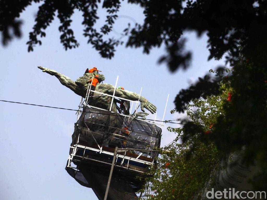 Karya Edhi Sunarso dan Pematung Lainnya di Lanskap Jakarta