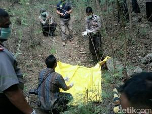 Mayat Wanita Muda Ditemukan Membusuk di Jurang Perbukitan Situbondo