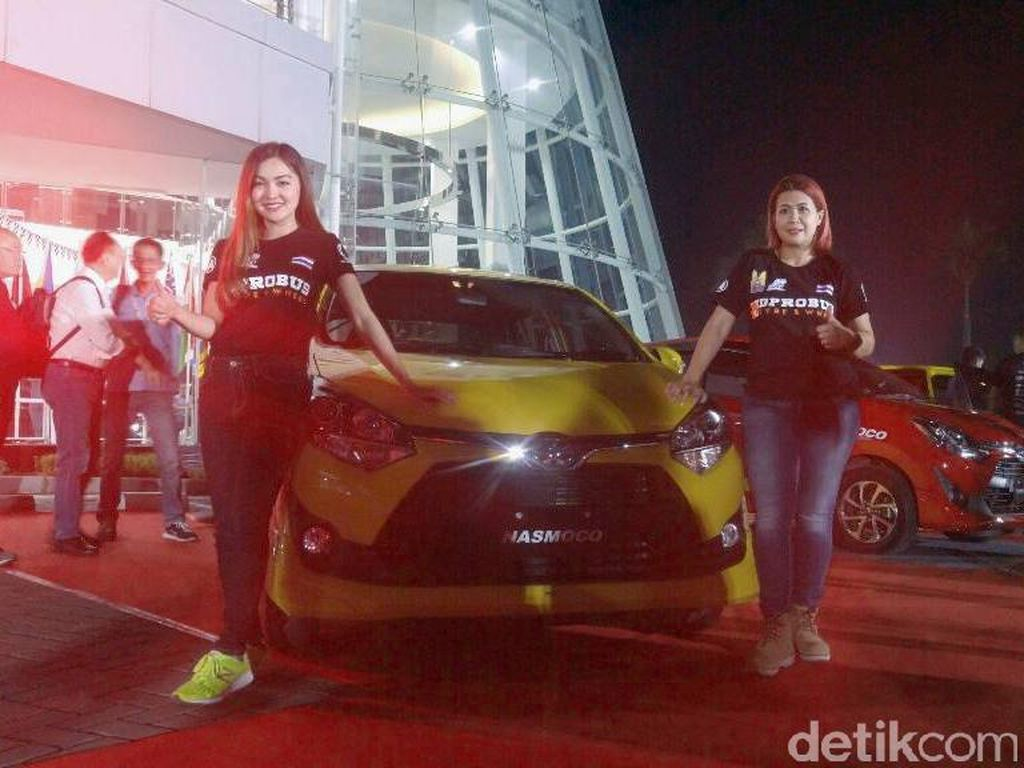 Jalanan Semarang Jadi Arena Gymkhana Mobil Agya