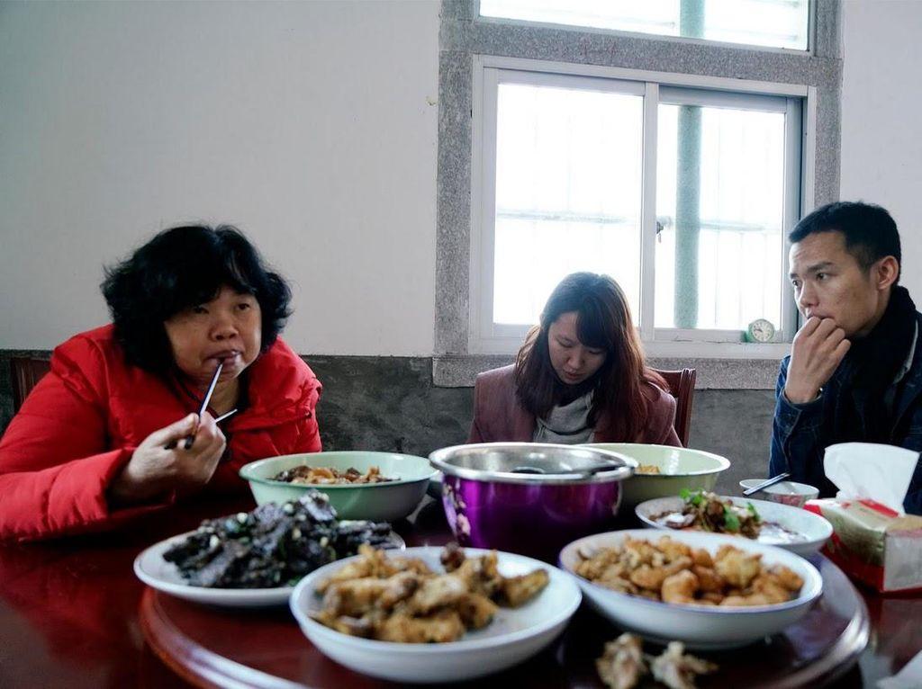 Jadi Pacar Sewaan, Wanita Ini Ungkap Sulitnya Pria Untuk Menikah di China