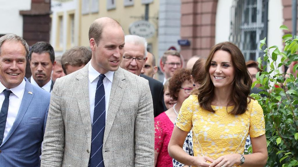 Foto: 8 Busana Stylish Kate Middleton Saat Tur ke Polandia dan Jerman