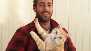 Kucing Kembali ke Pemiliknya Setelah Hilang di Queensland