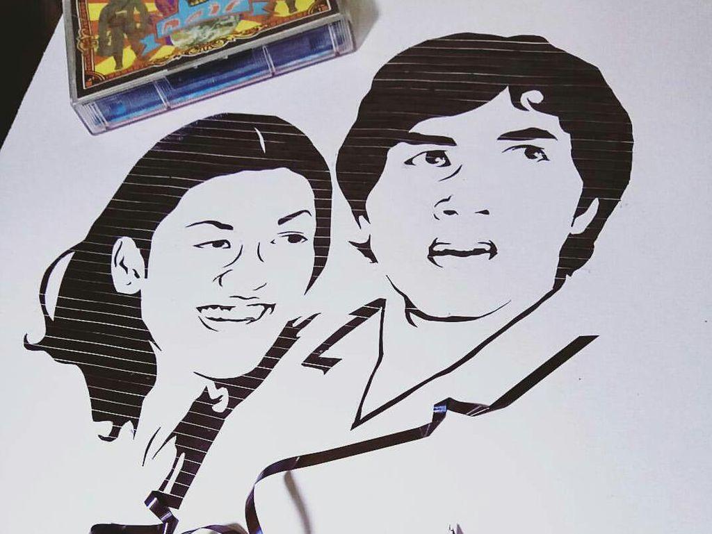 Bikin Lukisan dari Pita Kaset, Pria Ini Raup Omzet Rp 10 Juta/Bulan