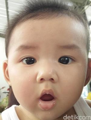 Tips Agar Bayi Nggak Rewel Saat Minum Obat