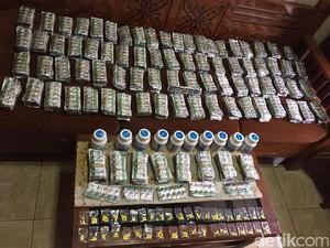 Polisi Ungkap Peredaran Puluhan Ribu Butir Obat Ilegal di Bogor