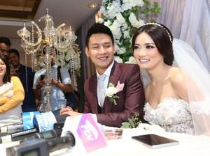 Fendy Chow dan Stella eks JKT48 Tak Mau Tunda Momongan
