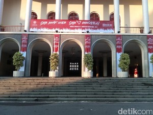 Ini Tangga Keramat Balairung UGM yang Disebut Jokowi