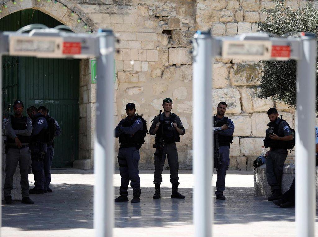 Ini Metal Detektor yang Diprotes Warga Palestina