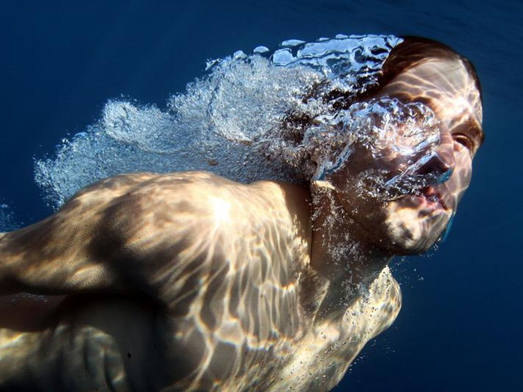 Potret Manusia Air Nyata, Hobi Main di Laut dan Kolam Terdalam Dunia