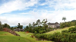 Benarkah Patok Batas NKRI Diserobot Lapangan Golf Malaysia?