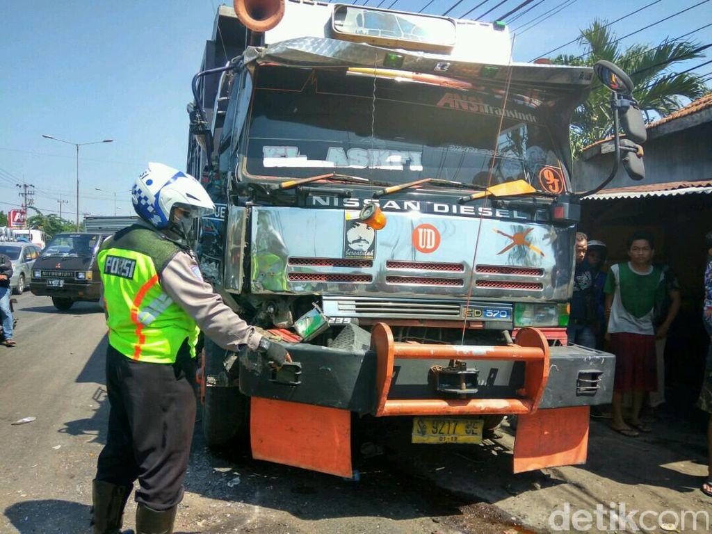 Sopir Dump Truk Tabrak 9 Motor Hingga Satu Tewas Jadi Tersangka