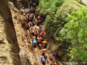 Kondisi Medan Persulit Pencarian Korban Longsor di Temanggung