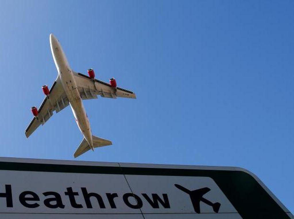 Tabrakan 2 Kendaraan di Bandara Heathrow, Puluhan Penerbangan Ditunda
