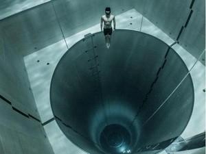 Ngeri! Menyelam di Kolam Terdalam Dunia dalam Sekali Napas