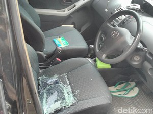 Kaca Pecah, Ini Penampakan Mobil Petinggi Muhammadiyah yang Dirusak
