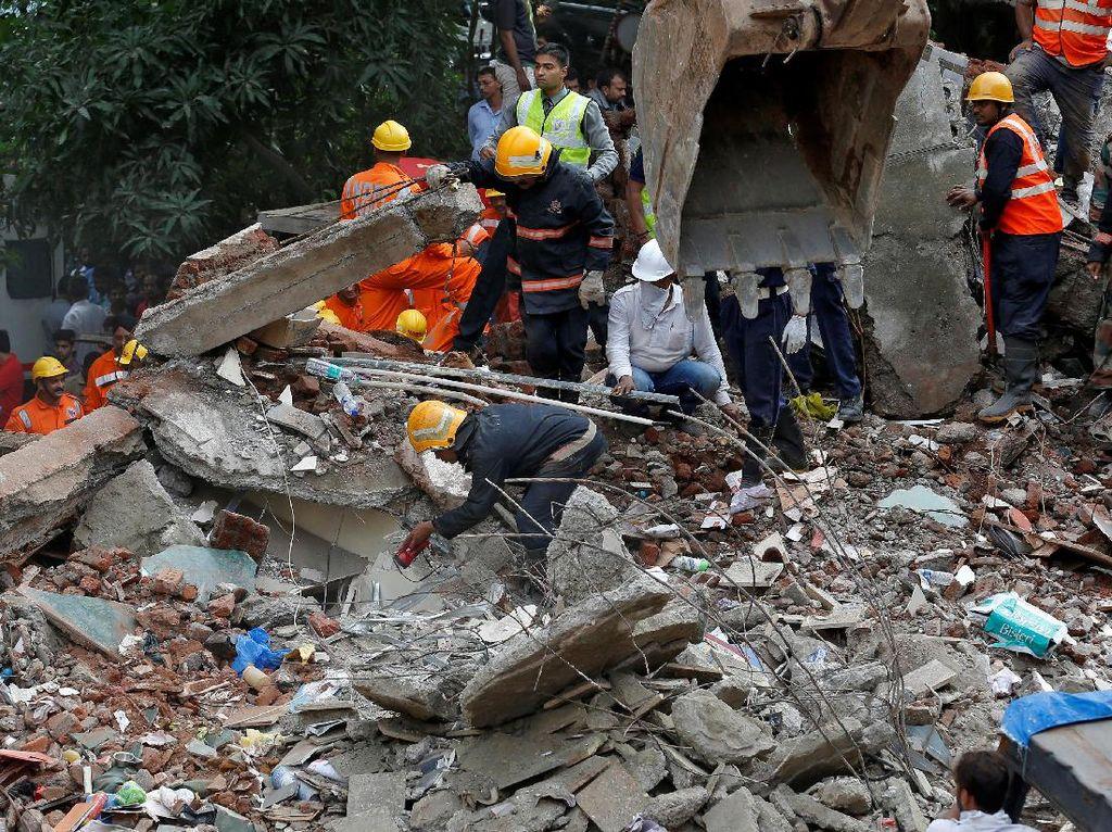 Bangunan di India Tiba-tiba Ambruk, 11 Orang Tewas Termasuk 8 Anak-anak