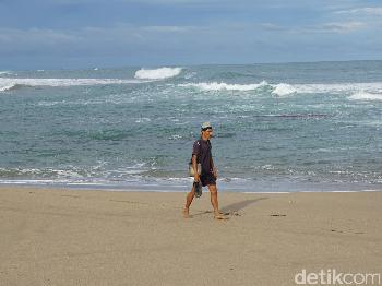 Pantai Indah Seharga Dua Ratus Rupiah