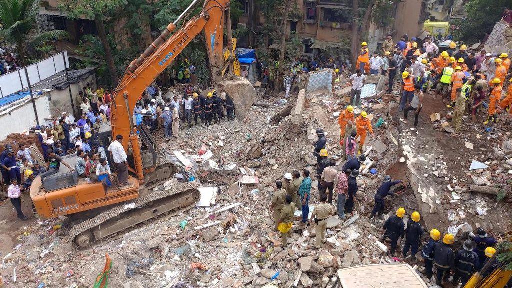 8 Orang Tewas Akibat Bangunan Ambruk di India