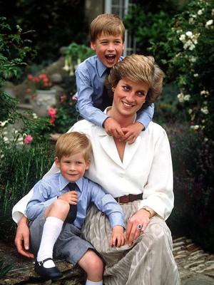 Mengintip Kehidupan Pribadi Putri Diana dengan William dan Harry