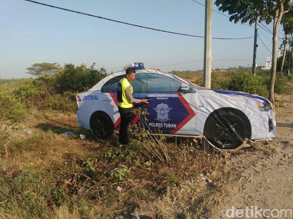 Mobil Patroli Polisi ini Kecoh Pengendara di Jalur Lamongan-Tuban