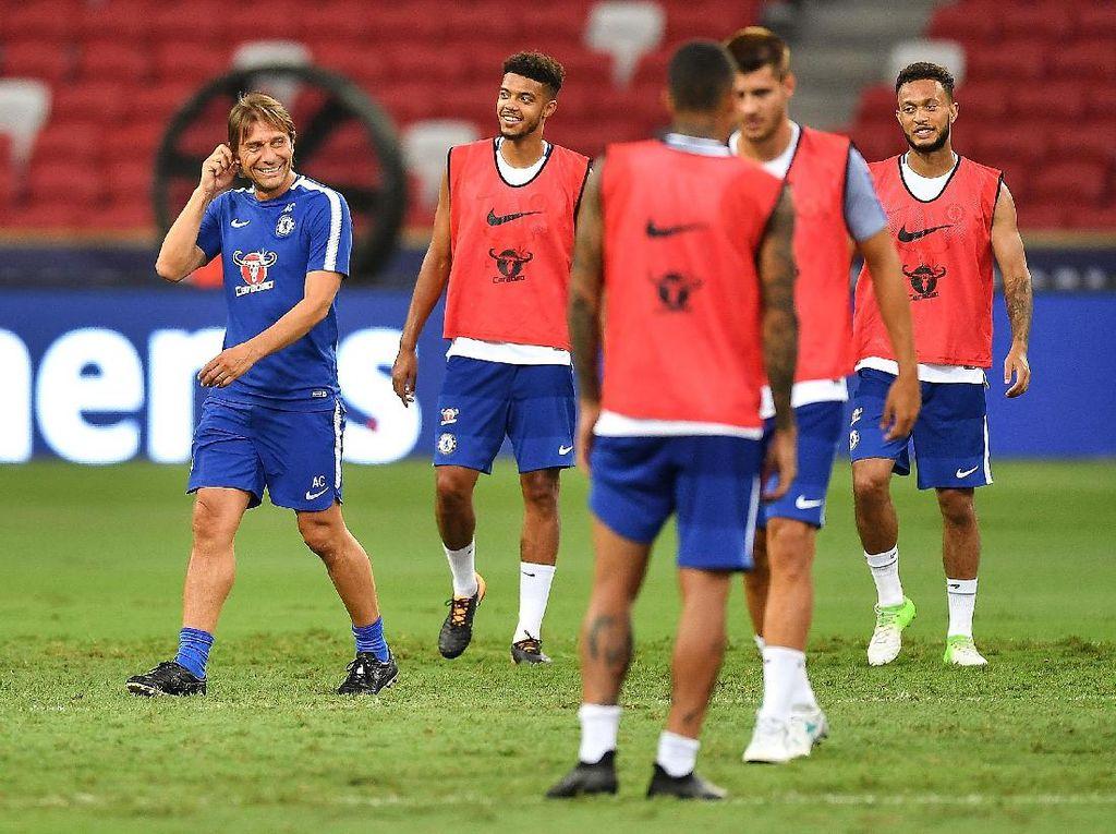 Conte Tegaskan Tekad Chelsea Raih Trofi Pertama di Musim Baru