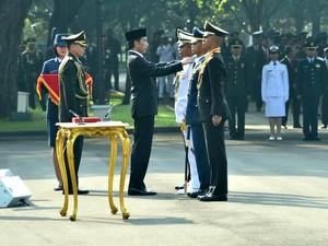 728 Capaja Akademi TNI dan Polri Dilantik Presiden Jokowi