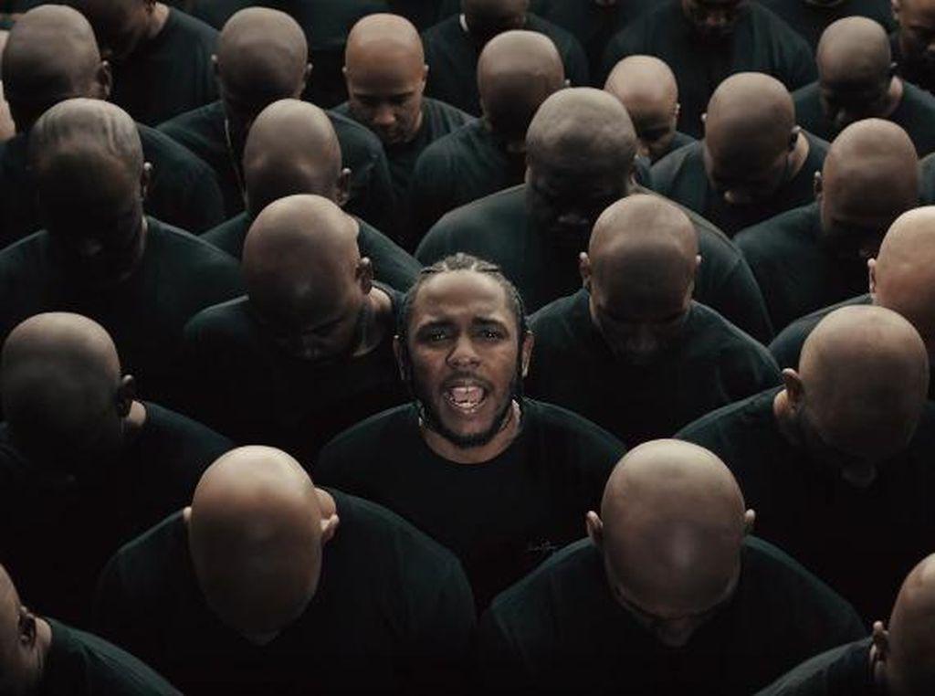 Kendrick Lamar Harus Segera Bikin Lemari Piala