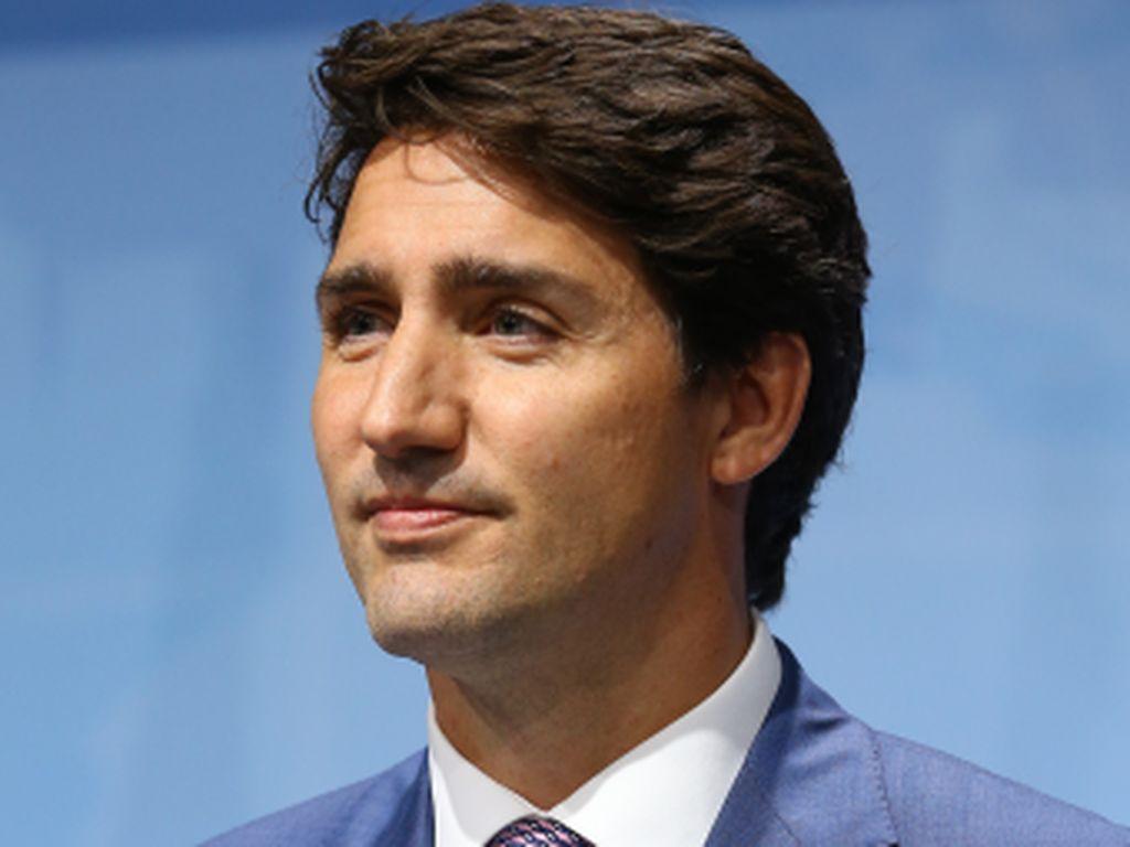Justin Trudeau Kembali Memikat Hati Para Ibu Saat Ajarkan Anak Bikin Smores