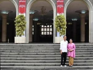 Jokowi: Mau Jadi Presiden? Belajar di Tangga Balairung UGM