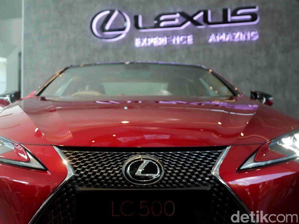Orang Kaya Indonesia Belum Minat Lexus Versi Hybrid