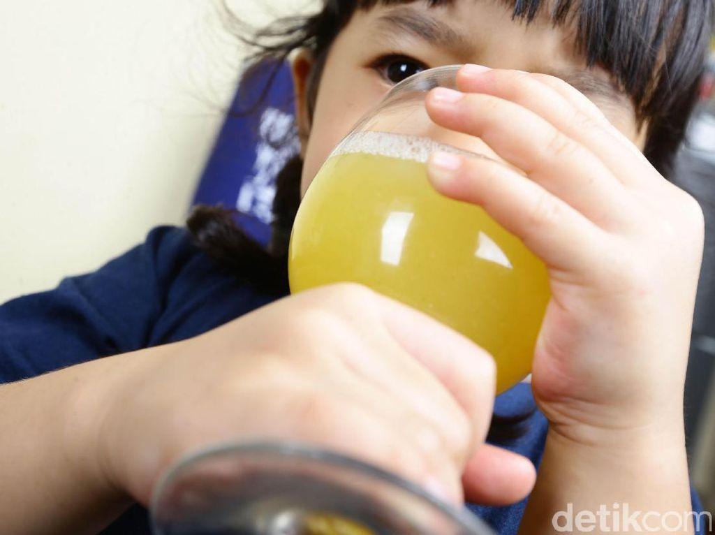 Ketika si Kecil Maunya Minum yang Manis-manis Melulu