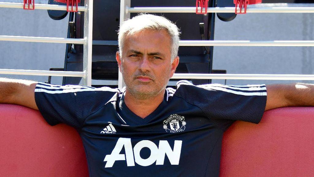 Mourinho Butuh Gelandang dan Winger, tapi Tak Mau Sebut Nama