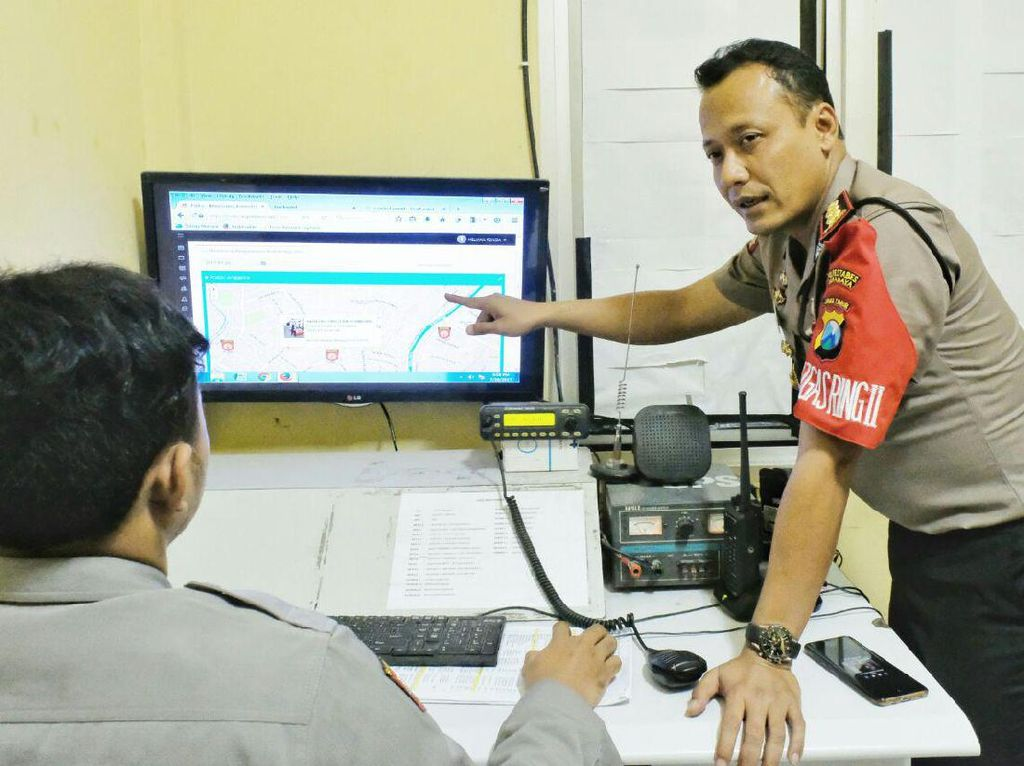 Cara Mudah Polisi Pantau Personel Pengamanan Haji di Surabaya