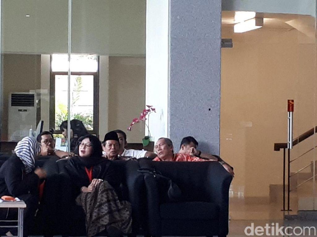 Wali Kota Mojokerto Diperiksa KPK Terkait Suap Anggota DPRD