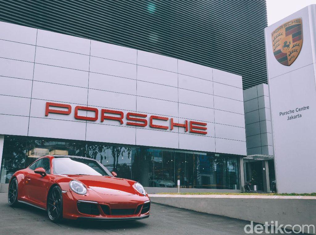 Brumm! Mesin Porsche Mengaum di F1?