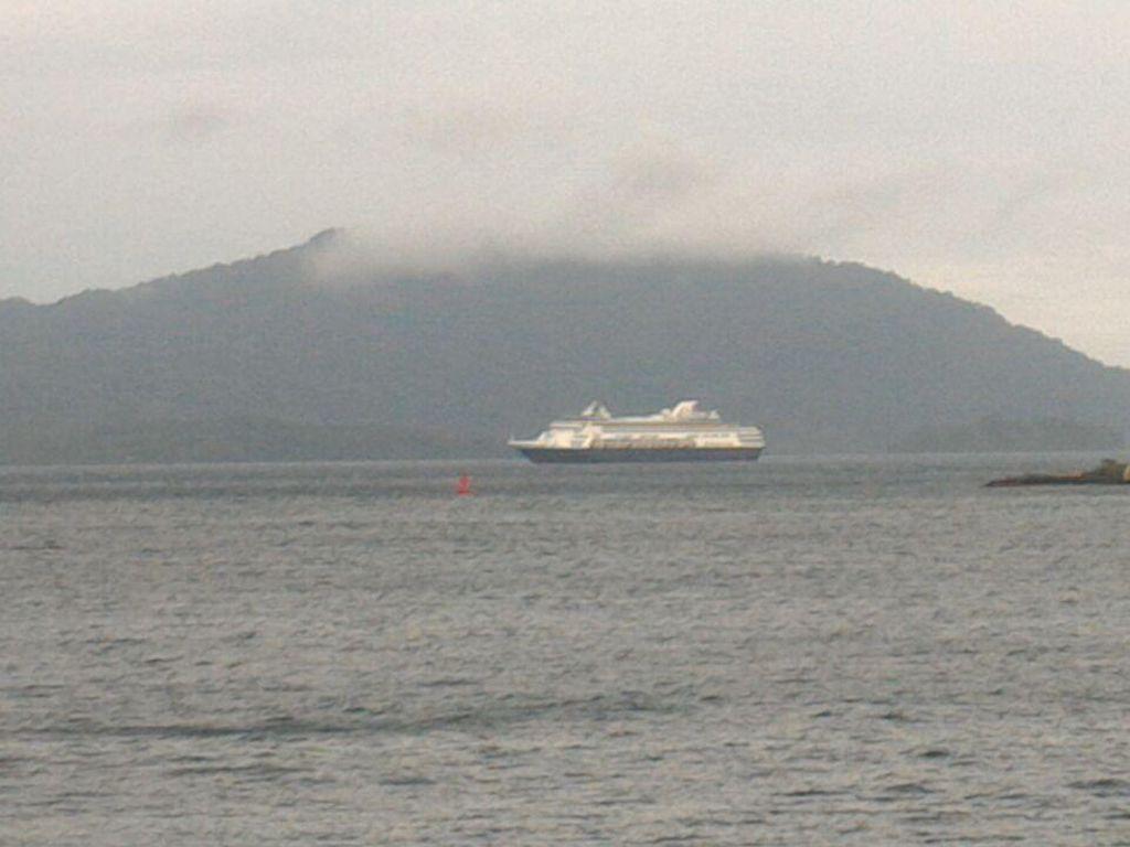Cuaca Buruk, Kapal Pesiar dari Thailand Gagal Merapat di Sabang