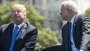 Dulu Dibela Kini Dikecam, Akankah Jaksa Agung AS Dipecat Trump?