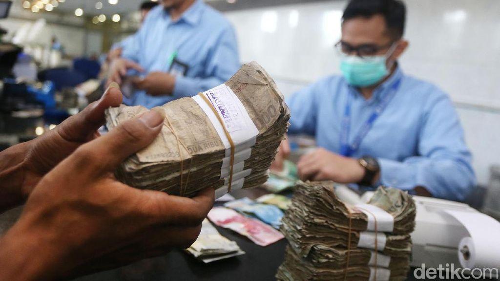 Foto : Jangan Khawatir, Uang Lusuh Bisa Ditukar Dengan yang Baru
