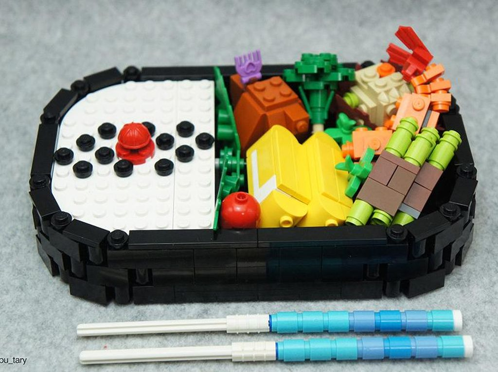Pizza dan Tempura dari Lego hingga Rahasia Kulit Mulus Victoria Beckham